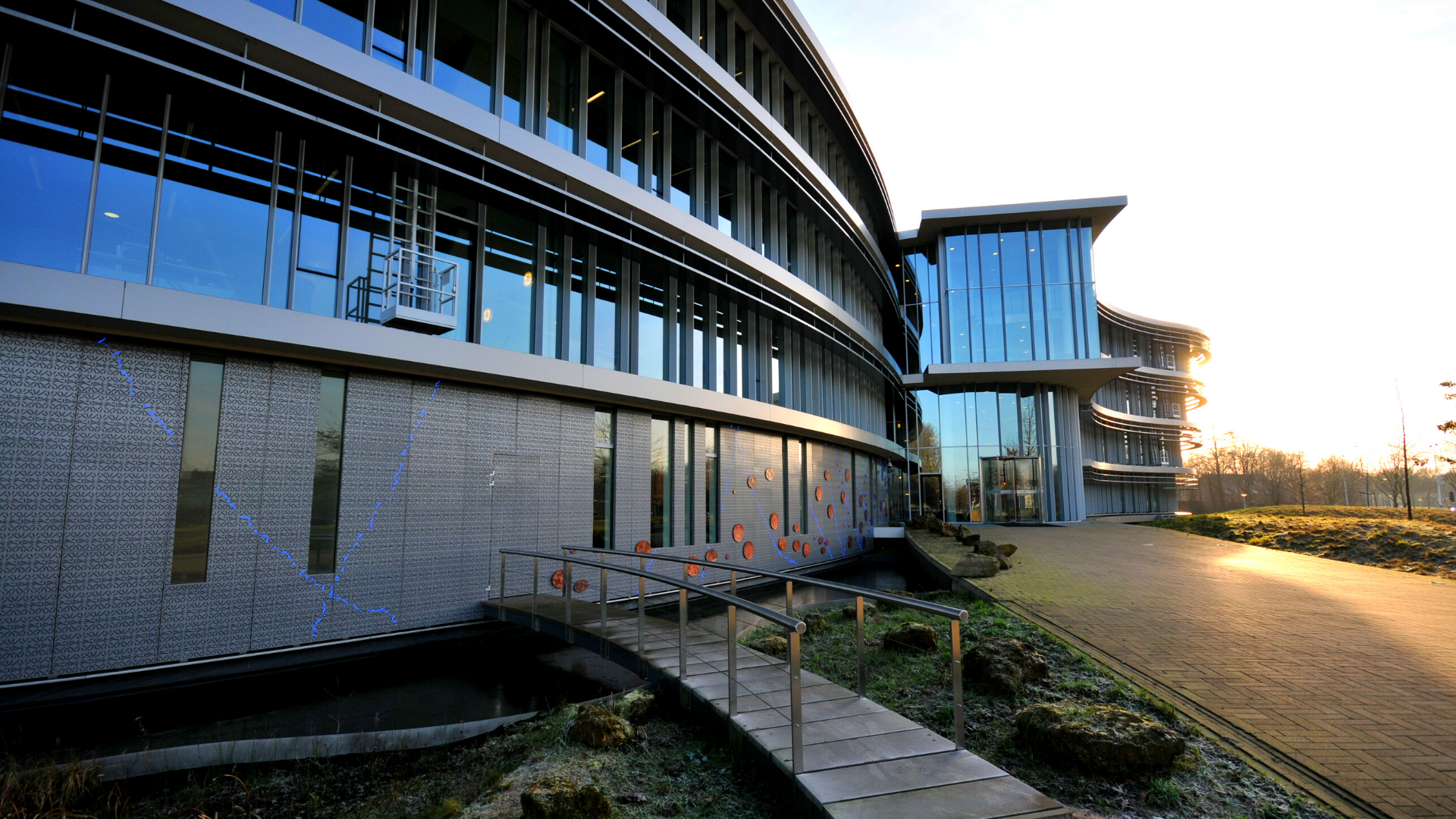 Waterschap-Doetinchem-gevel-perforation-panel-facade-by-night